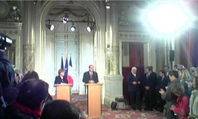1st_visit_merkel_to_chirac_23.11.2005_elysee__agg_questionreply_400