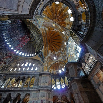 agia_sophia_maimed_roof_wikipedia__eurofora_patchwork_400
