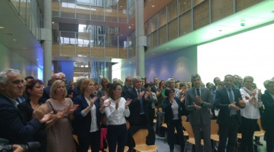 all_great_east_region_majority_members_giving_a_long_standing_ovation_to_philippe_richert_eurofora_400