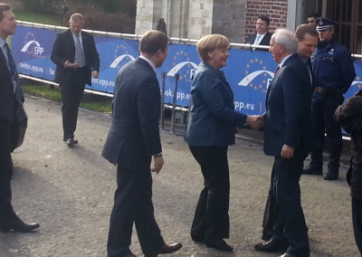 amerkel_arrival_at_epp_summit_400