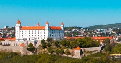 bratislava_castle_400