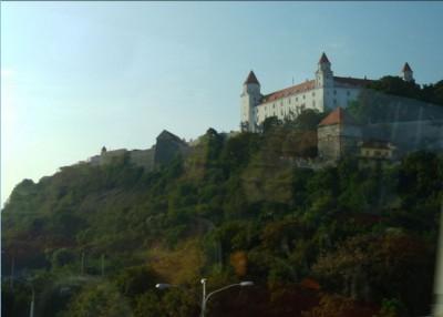 bratislava_castle_closer_400_01