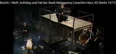 brecht_mahagony_court_3_eurofora_400_01