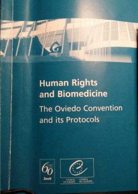 coe_booklet_on_oviedo_convention_human_rights__biomedicine_2009_ed._400