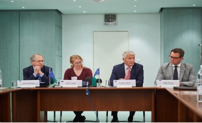 coe_sg_jagland_signs_deal_on_journalism_protection_platform_october_2015_400