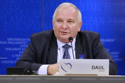 daul_in_press_file_400