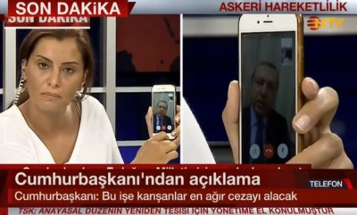 erdogan_speaking_by_iphone_to_tv_400
