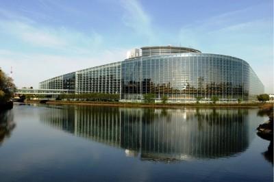 eu_parliament._srasbourg_river_side_patrick_bracker_for_eurofora_400
