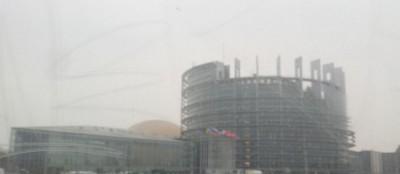 eu_parliament_in_winter_fog_400