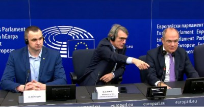 eu_parliaments_presiden_sassoli_points_at_agg_ebs_video__eurofora_screenshot_400