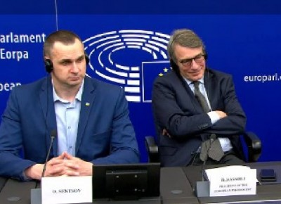 eup_president__sacharov_prize_hearing_agg_question_smiling_ebs_video__eurofora_screenshot_400