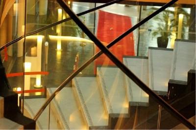 euparliament_strasbourg_marble_stairway_patrick_bracker_for_eurofora_400