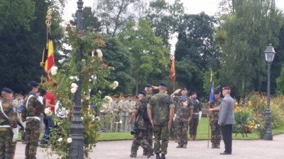 eurocorps_change_of_command_the_2_generals_salute_eachother_eurofora_400