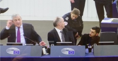 europarliament_president_tajani_secretary_general_welles_speaking_with_policemen_phone_overnight_of_terrorist_attack_eurofora_400