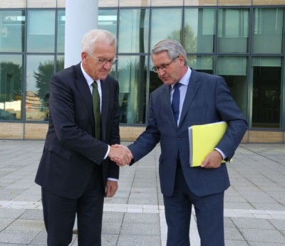 franco_german_core_regions_presidents_kretschmann__richert_shake_hands_at_the_conclusion_of_strasbourg_meeting_eurofora_400