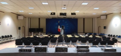 french_pressroom_in_brx_before_joint_press_conf_400