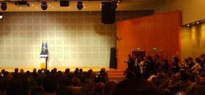 french_prime_minister_philippe_speaking_at_enas_amfitheater_eurofora_400
