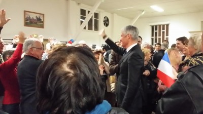 french_republical_leader_wauquiez_welcomed_by_people_at_holtzeimstras_eurofora_400