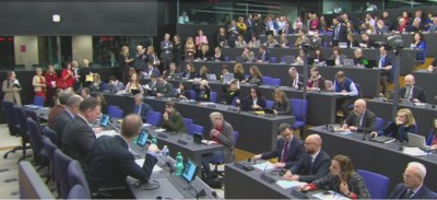 fully_packed_pressroom_for_eu_parliament_elections_briefing_eurofora_screenshot_400