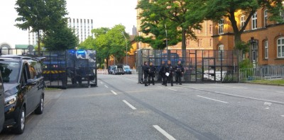 g20__imc__external_police_barriers_500m_before_entry_eurofora_400