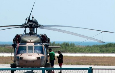 helicopter_of_8_turkish_army_officers_who_asked_political_asylum_in_greece_400