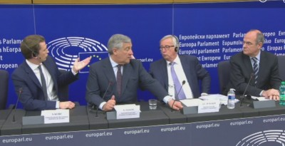 juncker__kurz_play_in_press_conf_eurofora_screenshot_400