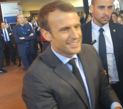 macron_in_front_of_agg_eurofora_400