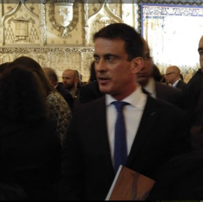 manuel_valls_at_reims_palais_de_tau_400