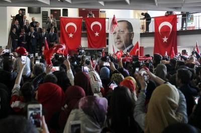 metz_turk_tsunami_of_islamic_scarfs_at_cavusoglou_bla.._400