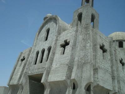 new__church_in_syrian_kurdish_city_where_turkish_military_vehicle_crashed_demonstrator__assyrian_christian_refugees_euroforaj_400