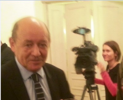new_french_defense_minister_le_drian_speaks_at_agg_tv_prise_400