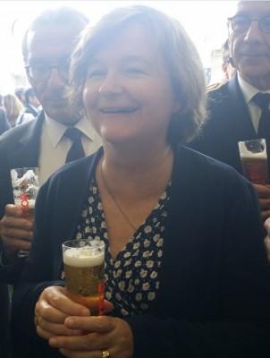 new_french_minister_loiseau_enjoying_her_beer_eurofora_400