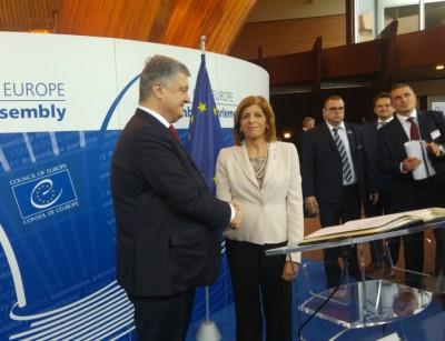 pace_kyriakides__poroshenko_eurofora_400
