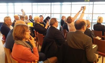 people_attending_posselt_book_event_eurofora_400