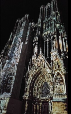 reims_cathedral_by_night_during_draftnews_due_to_abnormal_eutech_funding_esperons_that_it_doesnt_wark_at_all..._400