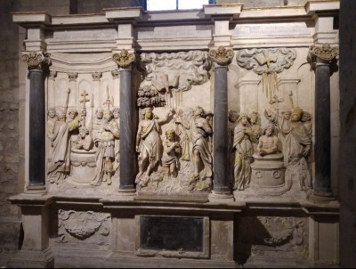 reims_saint_remi_basilicas_sculpture_picturing_baptisms_of_christ_constantine_and_saint_remi__2016_eurofora_400