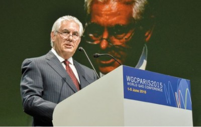 rex_tillerson_at_paris_world_gas_conference_on_2015_400_01