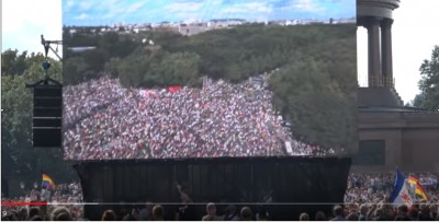 rfkennedy_at_berlin_rally_7_people_overview_b_matuschewski_videoeurofora_screenshot_400