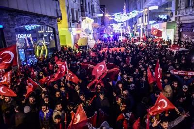 rotterdam_turkish_fanatic_mob_riots_400