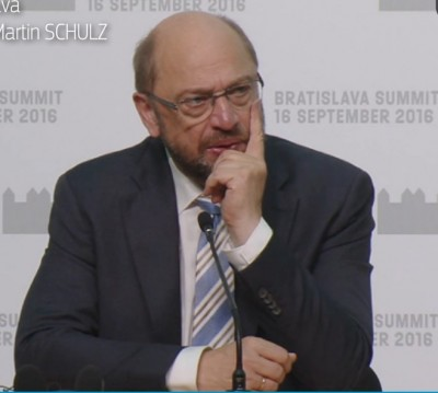 schulz_hearing_agg__euroforas_question_at_his_press_conference_at_bratislava_eu27_summit_400_02