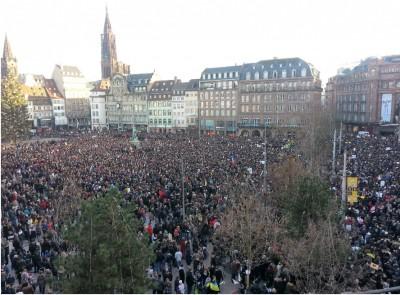strasbourg_1.11.2015_popular_demonstration_for_charlie_hebdo_after_isis_massacre_eurofora_400