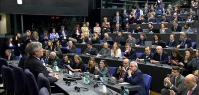 tajani_press_conf_expensive_mass_tourists_400