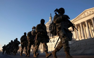 usa_armed_soldiers_at_capitol_easn__eurofora_400
