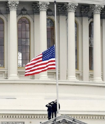 usa_capitol_flag_at_mid_mast_for_sicknich_daily_mail_eurofora_400