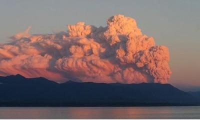 volcano_cloud_sea_400