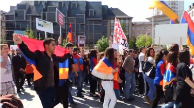 young_armenians_demonstration_in_strs_400